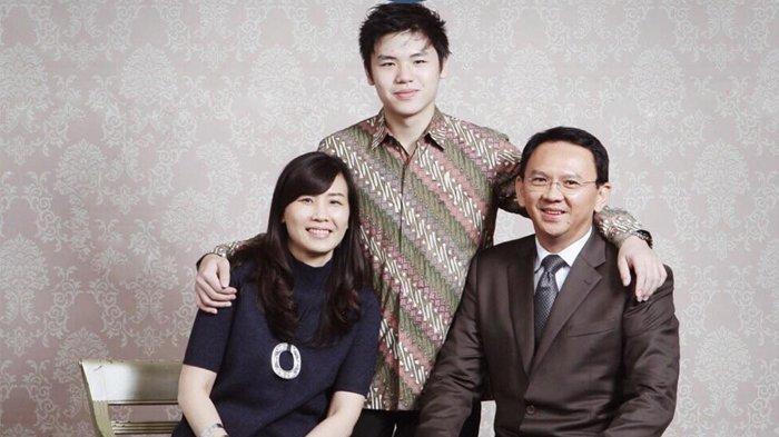 Basuki Tjahaja Purnama, Veronica Tan bersama anak keduanya, Nicholas Sean Purnama.