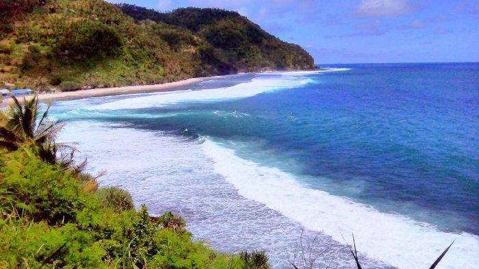 Pantai Kali Uluh Pacitan2