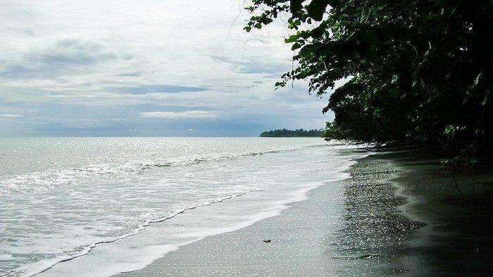 Pantai-Maruni2.jpg