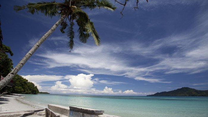 Pantai-Natsepa-3.jpg