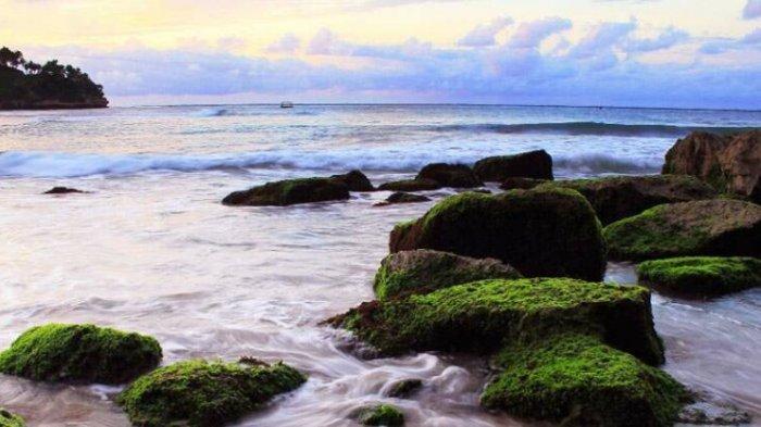 Pantai Wawaran Pacitan