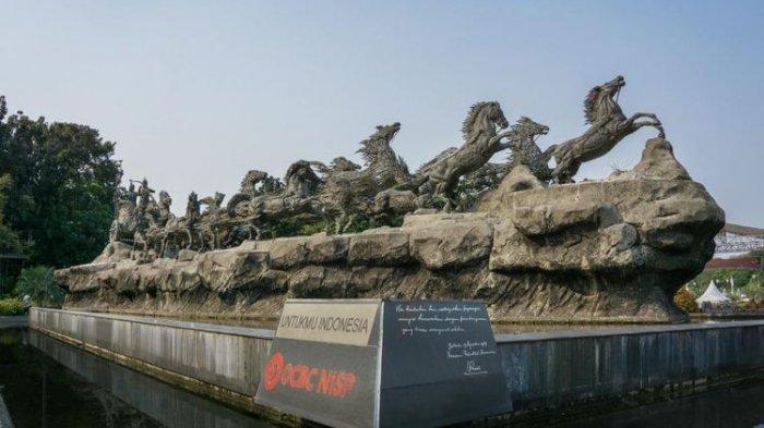 Patung-Arjuna-Wijaya-atau-Patung-Kuda-Jakarta-Pusat.jpg