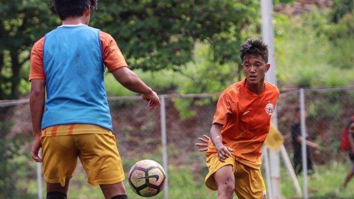 Pemain-Persija-Jakarta-U-16-Raka-Cahyana-Rizky.jpg