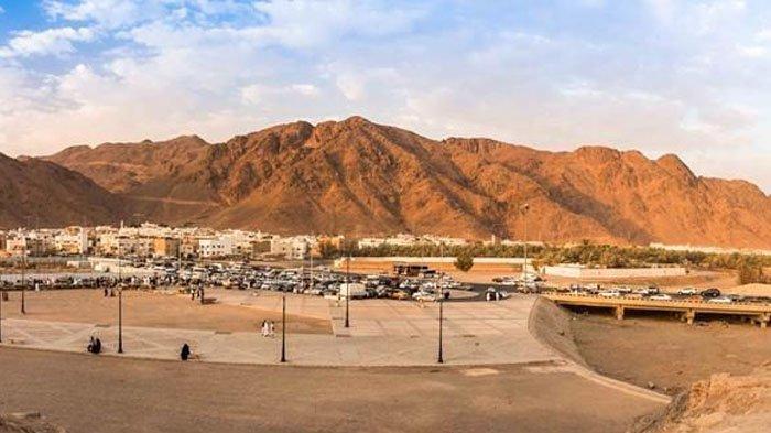 Jabal Uhud, tempat berlangsungnya Perang Uhud