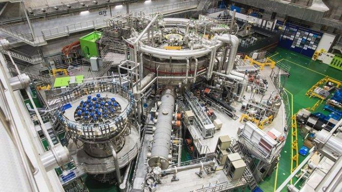 Perangkat-fusi-superkonduktor-atau-matahari-buatan-KSTAR.jpg