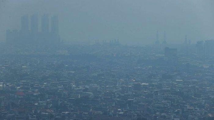 Polusi udara terlihat di langit Ibu Kota Jakarta