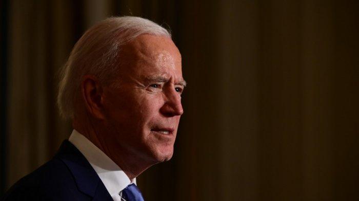 Presiden-AS-Joe-Biden-mengambil-sumpah-presiden-selama-upacara-virtual-di-Ruang-Makan.jpg