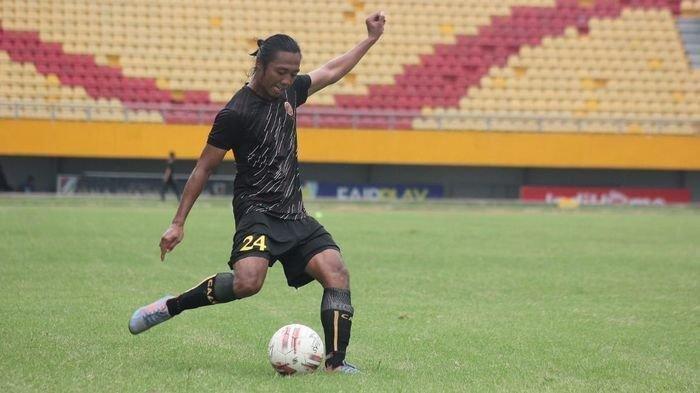 Sriwijaya-FC-Dany-Gondrong-alias-Fatkhur-Ari-Kusumawardani.jpg