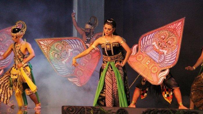 Pertunjukan Wayang Orang di TMII Jakarta Timur dalam Anugerah Duta Seni Budaya Jawa Timur.