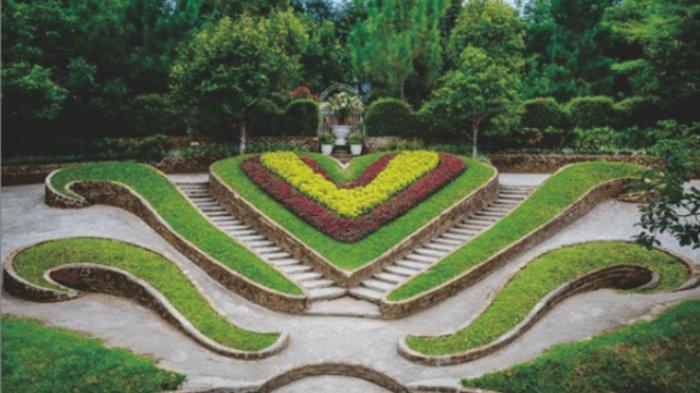 Taman bunga berbentuk hati di kawasan The Le Hu Garden