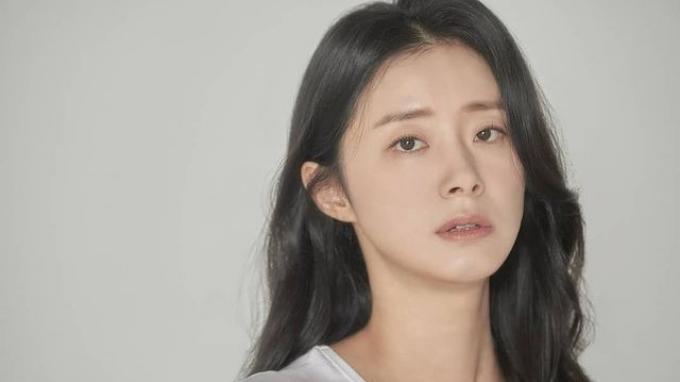 Yeom-Ji-Young.jpg