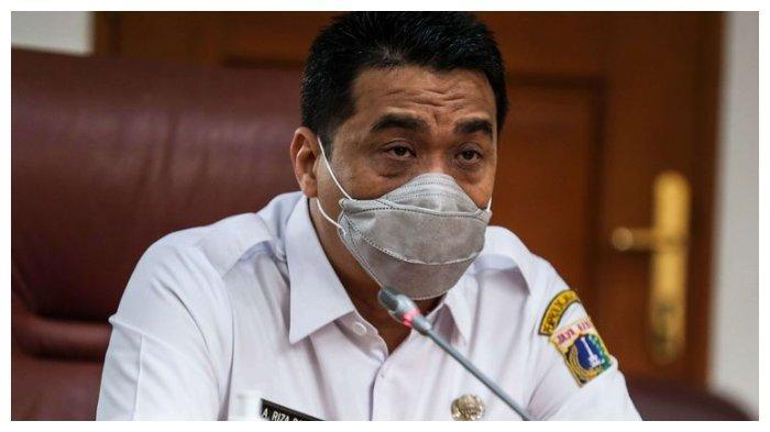 Wakil Gubernur DKI Jakatra Ahmad Riza Patria memberikan sambutan di ruangan Balai Kota DKI Jakarta, Jakarta Pusat, Rabu (18/11/2020). Riza pada Jumat, (5/2/2021), mengatakan lockdown akhir pekan di Jakarta tidak dapat diterapkan.