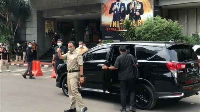 Gubernur DKI Jakarta Anies Baswedan memenuhi panggilan Polda Metro Jaya, Selasa (17/11/2020).