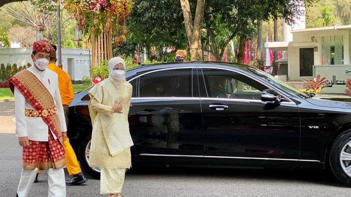 Presiden Joko Widodo dan Ibu Negara Hj. Iriana Joko Widodo tiba di Istana Merdeka, Selasa (17/8/2021) untuk mengikuti Upacara Peringatan Detik-Detik Proklamasi Kemerdekaan Republik Indonesia.