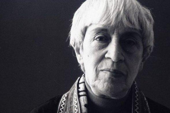 Carmel Budiardjo mulai dikenal setelah terlibat mengadvokasi nasib tahanan politik 1965 yang dibuang ke Pulau Buru, di penjara atau kamp penempatan tanpa diadili karena dicurigai terlibat G30S.