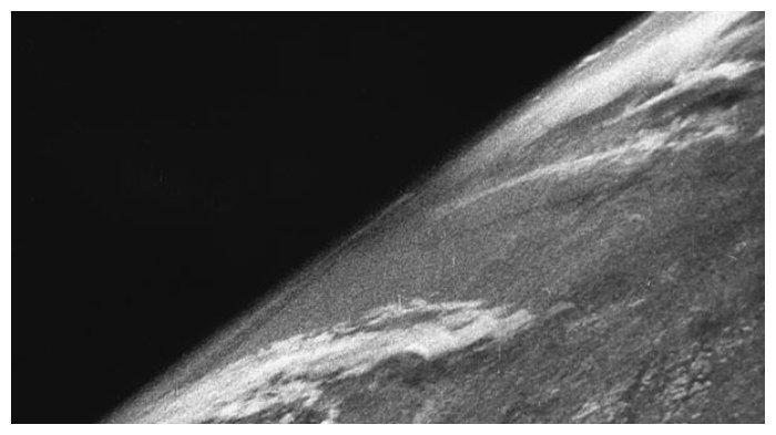 foto-bumi-pertama.jpg