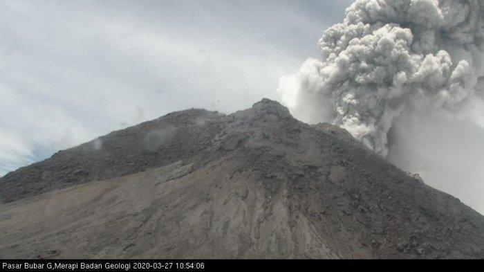 gunung-merapi-erupsi.jpg