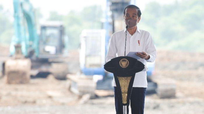 Presiden Joko Widodo saat groundbreaking Pabrik Industri Baterai Kendaraan Listrik PT HKML Battery Indonesia, di Kabupaten Karawang, Jawa Barat, Rabu, (15/09/2021) pagi.