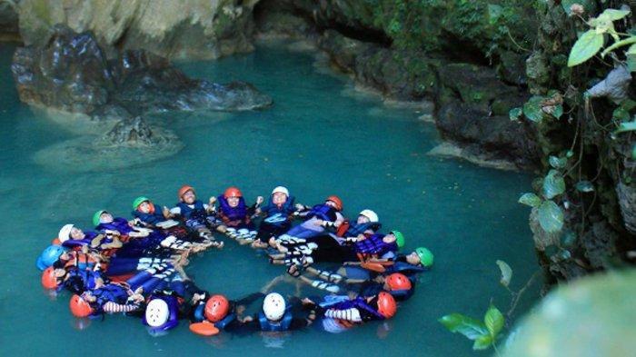 kalisuci-cave-tubing.jpg