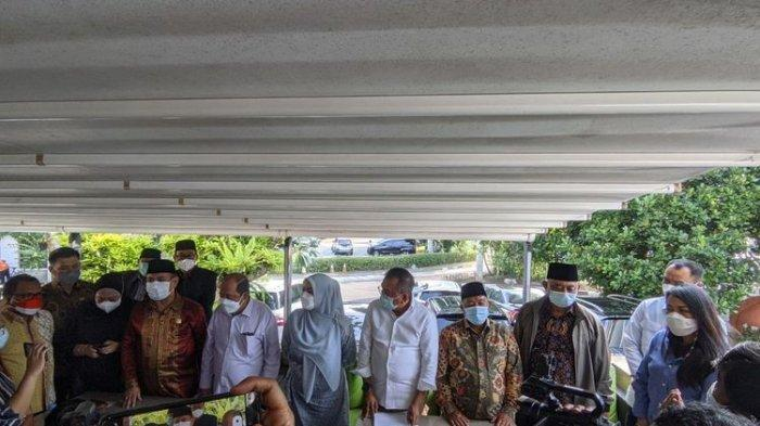 Konferensi pers tujuh fraksi yang melakukan penolakan hasil rapat Badan Musyawarah penetapan agenda pembahasan hak interpelasi terkait Formula E di kawasan Menteng, Jakarta Pusat, Senin (27/9/2021).