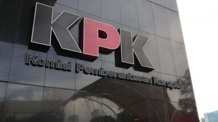 Logo Komisi Pemberantasan Korupsi (KPK) di Gedung KPK