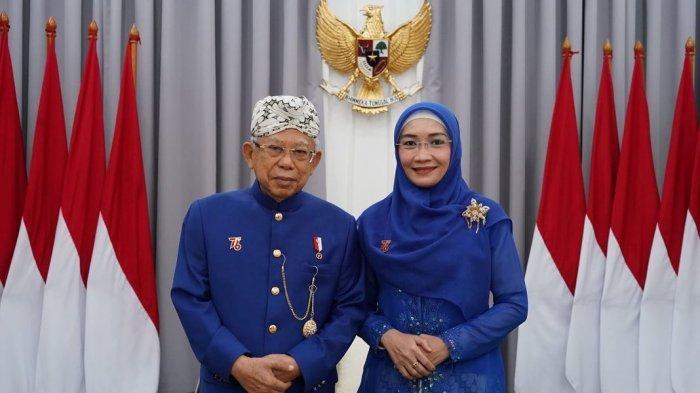 Wakil Presiden Ma'ruf Amin dan Wury Ma'ruf Amin memakai pakaian adat Sunda dari Sukabumi, Jawa Barat pada Upacara Peringatan Detik-Detik Proklamasi Kemerdekaan Republik Indonesia di Halaman Istana Merdeka, Jakarta, Selasa (17/8/2021).
