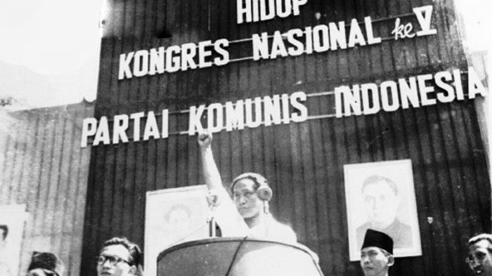 DN Aidit dalam Kongres Nasional V Partai Komunis Indonesia. (HISTORIA.ID)