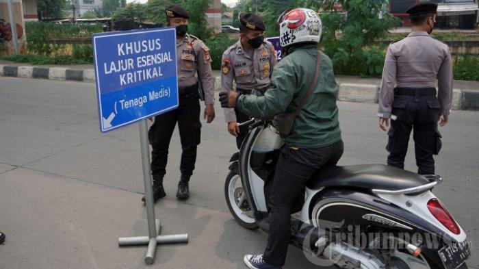 pos-penyekatan-ppkm-darurat-di-Jalan-Lampiri-Jakarta-Timur-1.jpg