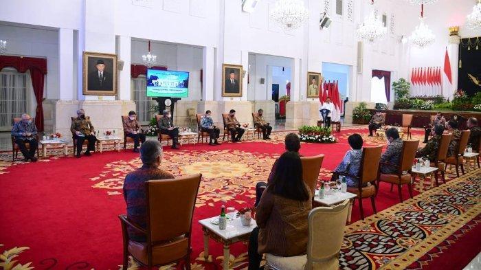 Presiden Joko Widodo menerima perwakilan Perhimpunan Insan Perunggasan dan Peternak Ayam Petelur, Rabu (15/09/2021), di Istana Negara, Jakarta.