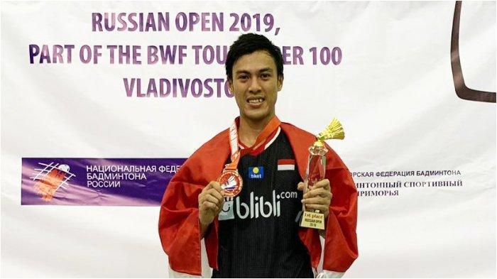 Shesar Hiren Rhustavito berhasil mengalahkan wakil Singapura dalam Rusia Open 100 di Vladivostok, Rusia
