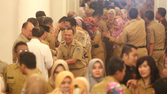 sejumlah-pegawai-negeri-sipil-pns-saat-mengikutii-acara-halal-bihalal.jpg