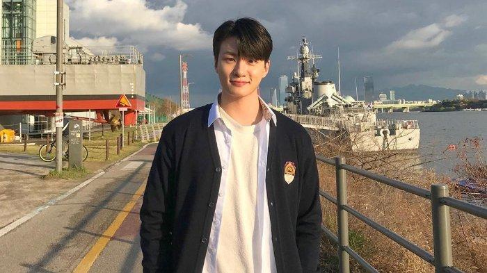 shin-seung-ho-aktor-korea-selatan.jpg