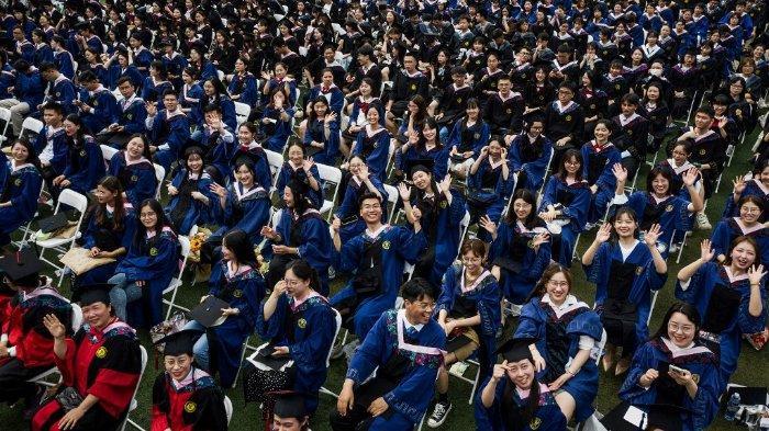wisuda-ribuan-siswa-di-wuhan-13-juni-2021.jpg