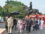 Prabowo Ceritakan Kisah di Balik Patung Bung Karno Menunggang Kuda
