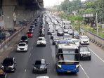 arus-kendaraan-ke-arah-jakarta-di-ruas-tol-jakarta-cikampak.jpg