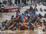 badai-topan-vamco-di-filipina-345.jpg