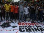 demonstrasi-di-india-merusak-bendera-china.jpg