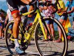 ilustrasi-sepeda-balap-1.jpg