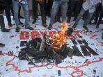 india-protesters-against-chinas-goods.jpg
