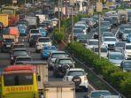 kemacetan-pada-jam-pulang-kerja-di-jalan-tol-dalam-kota-jakarta.jpg