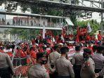 massa-aksi-buruh-konfederasi-serikat-buruh-seluruh-indonesia-ksbsi-546.jpg