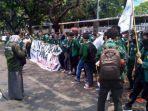 Jokowi Tinggalkan Gedung DPR, Pengunjuk Rasa Kembali Bermunculan