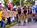 Wanita yang Menyebabkan Kecelakaan Beruntun Tour de France Ditangkap