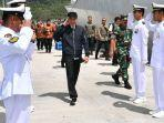 presiden-joko-widodo-meninjau-kapal-perang-kri-usman-harun-359.jpg