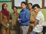 6 Pelajaran Hidup yang Bisa Dipetik dari Film Guru-guru Gokil, Sudah Tayang di Netflix