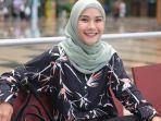 Dua Putrinya Positif Covid-19, Zaskia Adya Mecca Rela Pakai APD : Anak Nangis Minta Dipeluk
