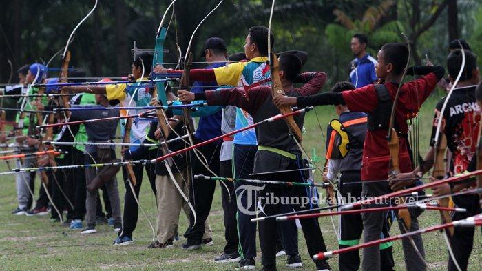 Kompetisi memanah di Kampus Unilak beberapa waktu lalu