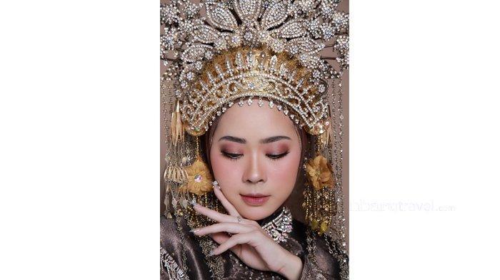 Tampil Cantik dengan Make Up dan Busana Melayu Modern