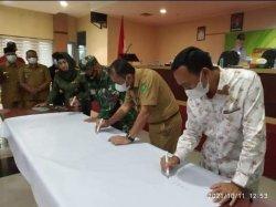 Unsur Forkopimda Inhu Tandatangani Komitmen Bersama Dukungan Pelestarian Hutan TNBT
