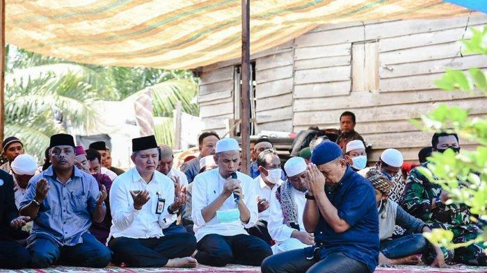 Warga di Kelurahaan Batu Tritip, Kota Dumai melaksanakan tradisi Semah Kampung belum lama ini.